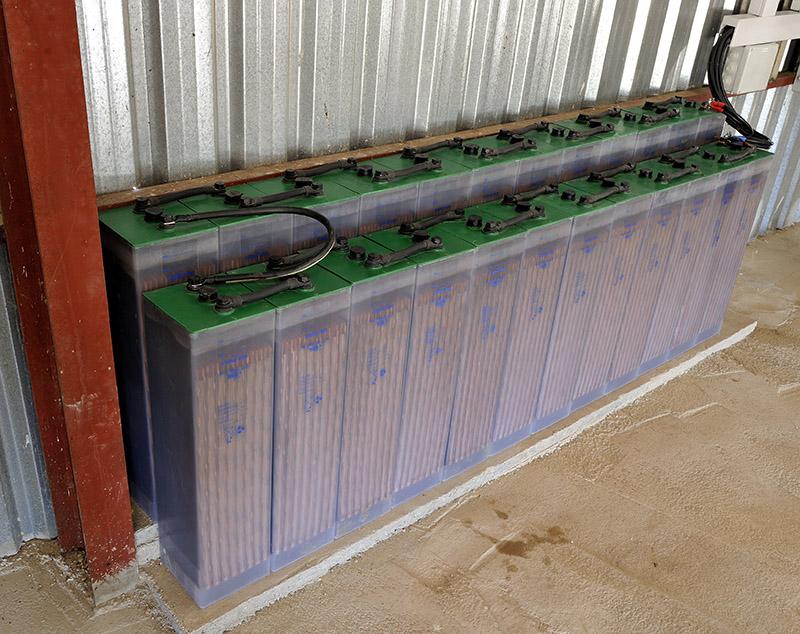 instalcaion completa fotovoltaica betsolar baterias Tab
